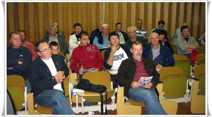 publika - Udruga pcelara Bujstine i gosti BRUNO