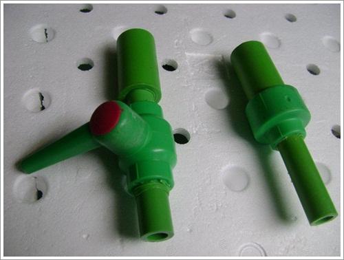 Sl. 10 Izlaz iz boce sa ili bez ventila